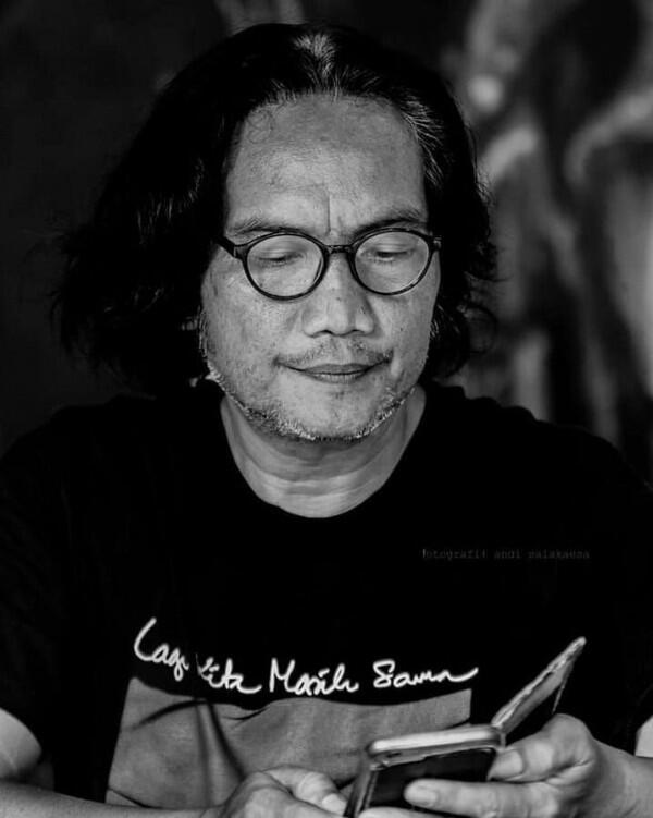 10 Potret Whani Darmawan, Pelayan Gigih dan Setia di Film Bumi Manusia