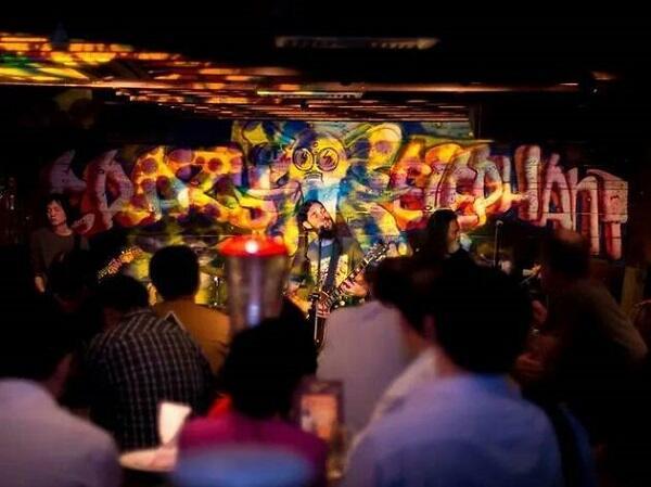 Mau Nonton Live Music di Singapura? Dateng ke Tempat-tempat Ini Aja!