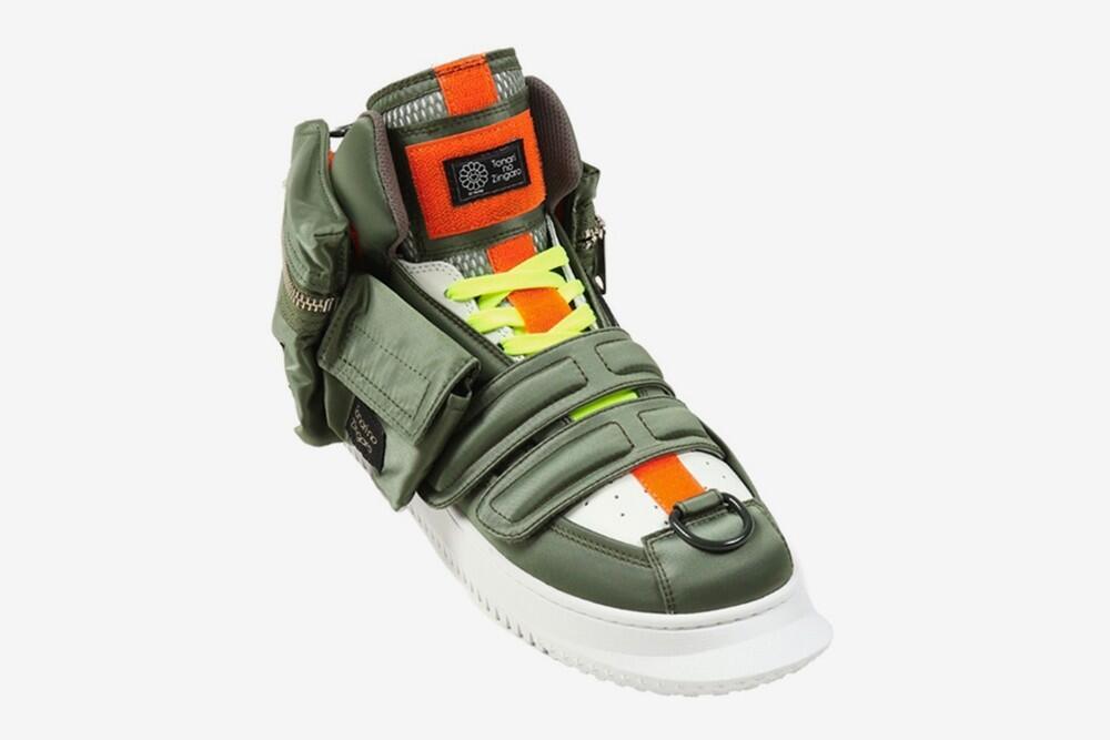 Sneakers Frankenstein! Begini Jadinya kalau Sepatu dan Pouch Disatukan