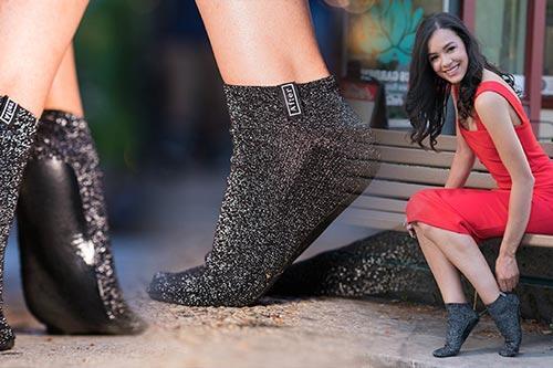Ketika Sepatu Dan Sandal Diringkas Jadi Kaus Kaki, Begini Bentuk Modern-nya!