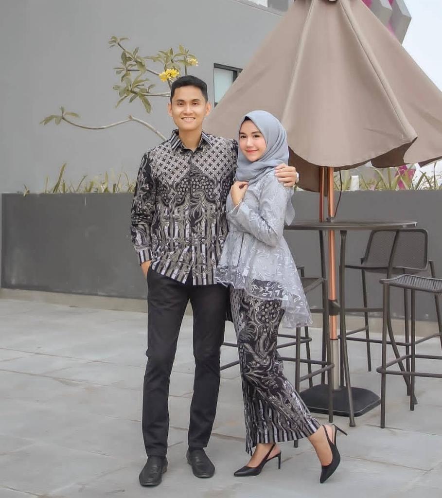 5 Kebaya Couple Bikin Jomlo Baper