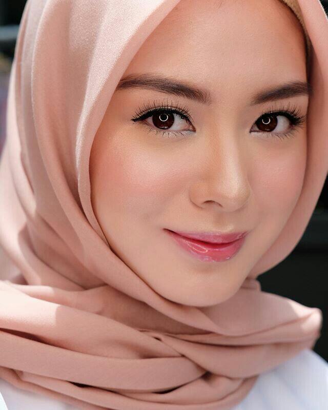 Cewek Wajib Tahu! Inilah Perbedaan Skincare Dan Make Up