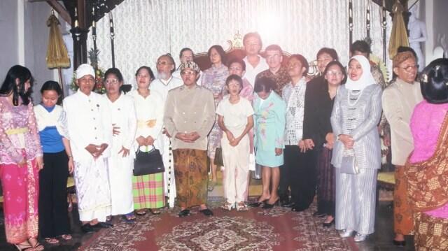 5 Kisah Toleransi Keluarga Beda Agama