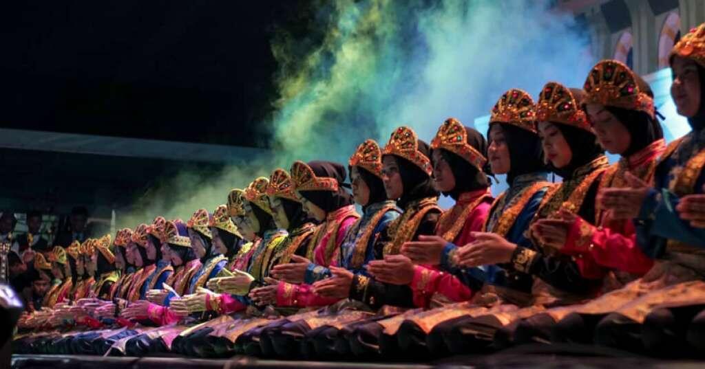 Viral, Grup Musik Now United Melakukan Tari Saman dari Aceh!