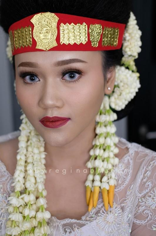 Kenali Makna Di Balik Setiap Riasan Tradisional Asli Indonesia!