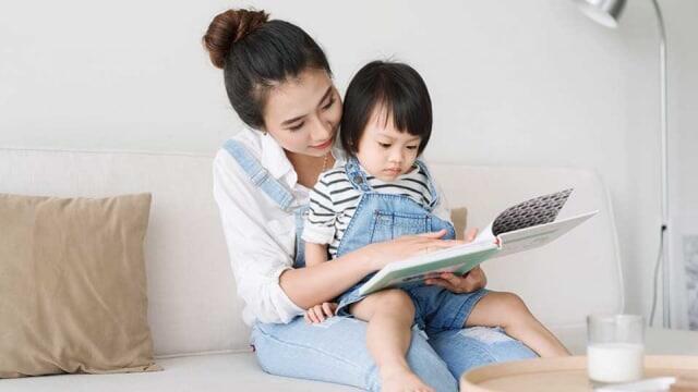 Stimulasi yang Sangat Kuranglah Penyebab Utama Keterlambatan Bicara Pada Anak