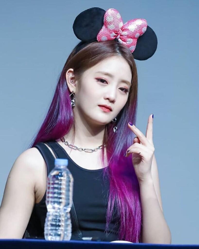 Rekomendasi Rambut Ombre Berwarna Unik Ala K-Pop Idol!