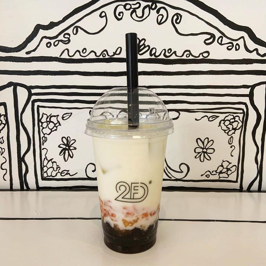 Nongkrong di Kafe Ini Berasa Masuk ke Dimensi Lain, Gokil!