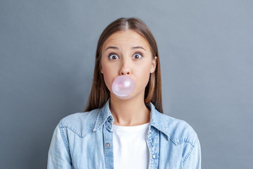 5 Manfaat Mengunyah Permen Karet, Salah Satunya Bisa Cegah Gigi Berlubang, Gan!
