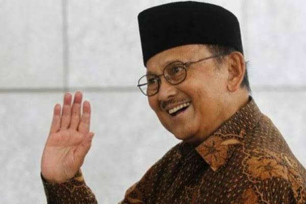 Habibie Bapak Demokrasi Indonesia