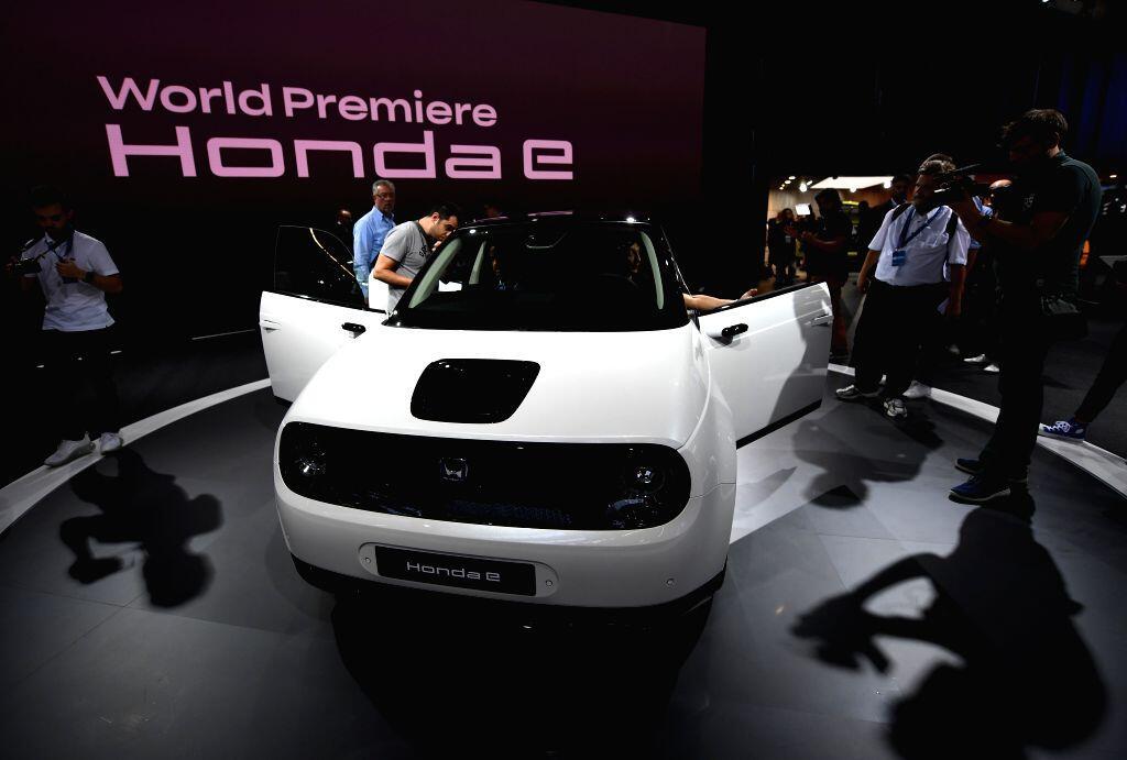 Honda E Mobil Mungil Bertenaga Listrik Milik Honda
