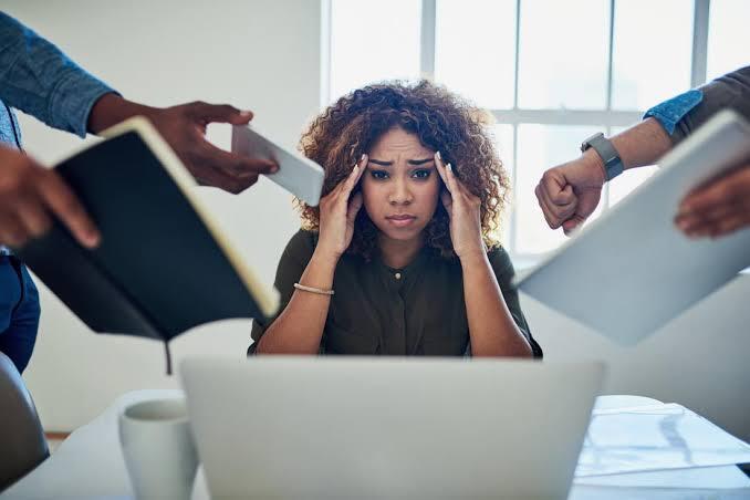 Tiba-Tiba Sedih, Marah Tanpa Alasan? Mungkin Ini Penyebabnya