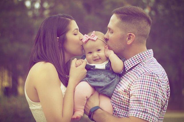5 Doa yang Selalu Dipanjatkan Orangtua Untuk Anaknya!