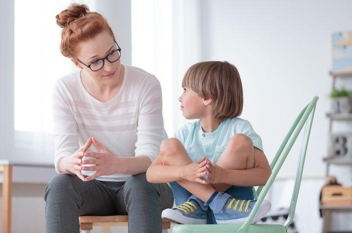 [Parenting] Yukk Perhatikan! Tanda Ini Menunjukkan Bahwa Anak Merasa Kesepian