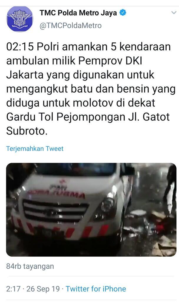 Sebut Ambulans Pemprov DKI Angkut Batu dan Bensin Molotov,Akun TMCPolda Metro Dikecam