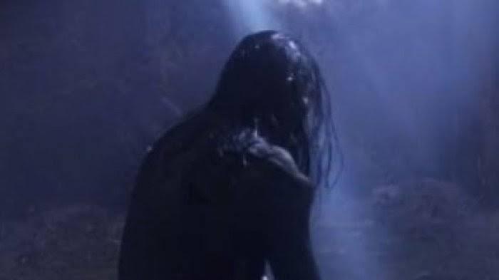 Ditempeli Hantu Cantik Dari Gunung Bromo