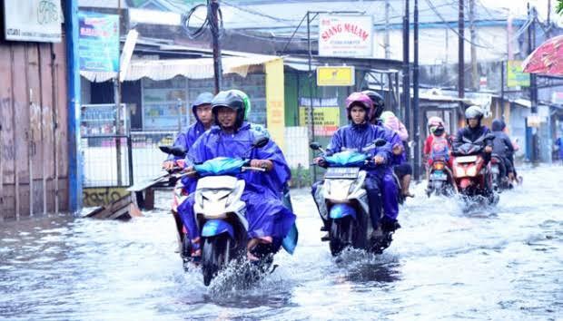 Permulaan Musim Hujan, Berkendara (Apa yang Dipersiapkan?)