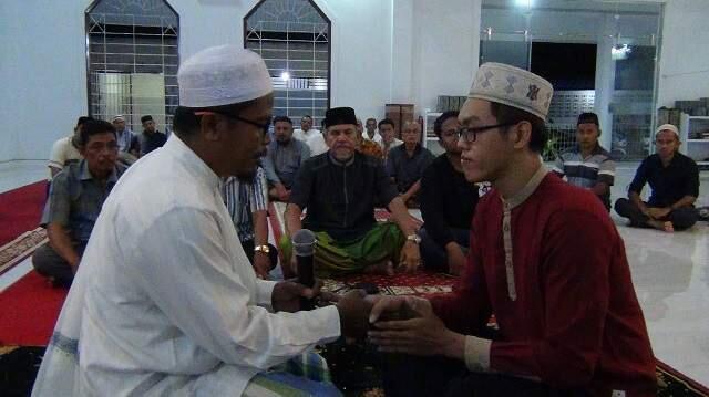 Pemuda Etnis Tionghoa di Aceh, Masuk Islam dengan Restu Orangtua yang Non Muslim