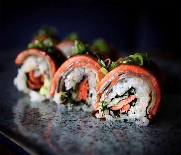 Bukan Dibuat di California atau Jepang, Ini Cerita Dibalik Sushi California Roll
