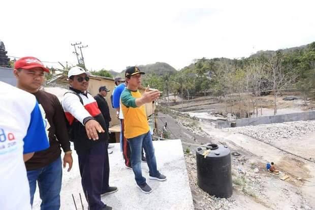Bupati Suwirta Minta Masyarakat Turut Menjaga dan Merawat Infrastruktur
