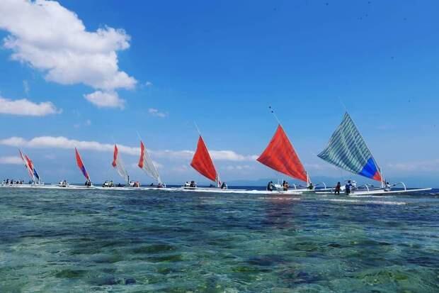 Lomba Perahu Layar Tradisional Meriahkan NPF V 2019
