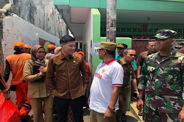DPRD DKI Pastikan Pelayanan Dasar bagi Korban Kebakaran di Taman Sari