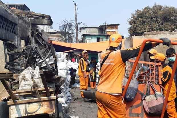 Ratusan Petugas Gabungan Bersihkan Lokasi Kebakaran di Maphar