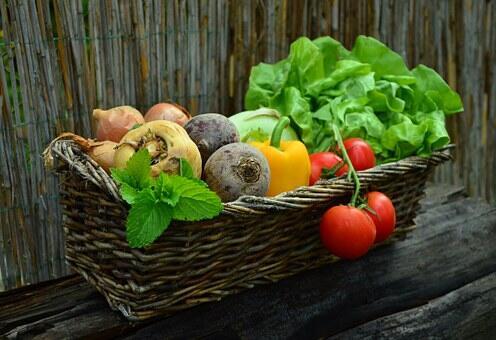 Waspada Makanan Yang Sering Bikin Keracunan