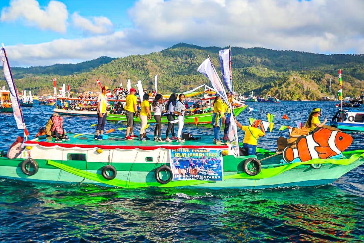 Terpikat Pesona Wisata Bahari Selat Lembeh