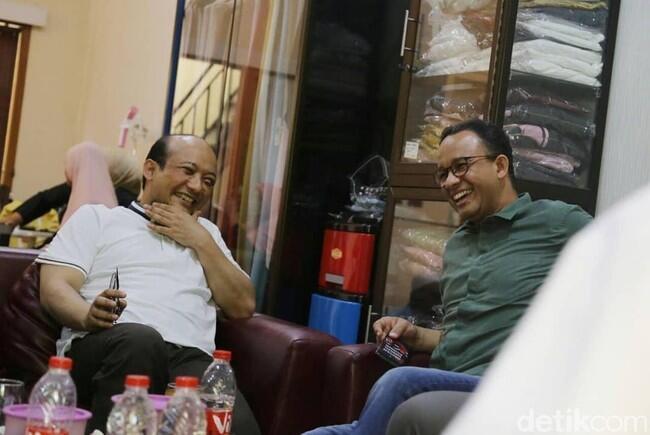 Novel Bela Anies dengan Serempet Jokowi