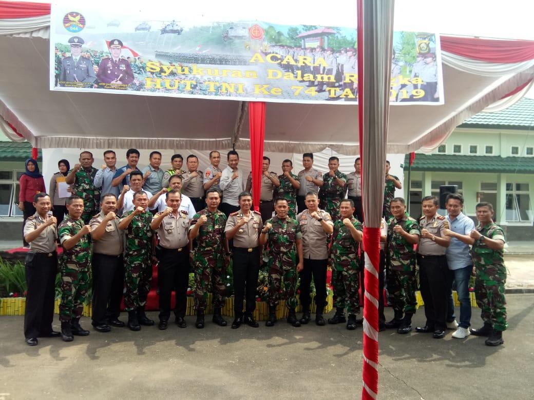 Rayakan HUT TNI Ke-74, Polres Banyuasin Gelar Syukuran di Makodim 0430 Banyuasin