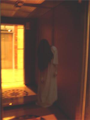 [Halloween]Rumah Hantu Dan Patung Hidup Di Tempat Kerja