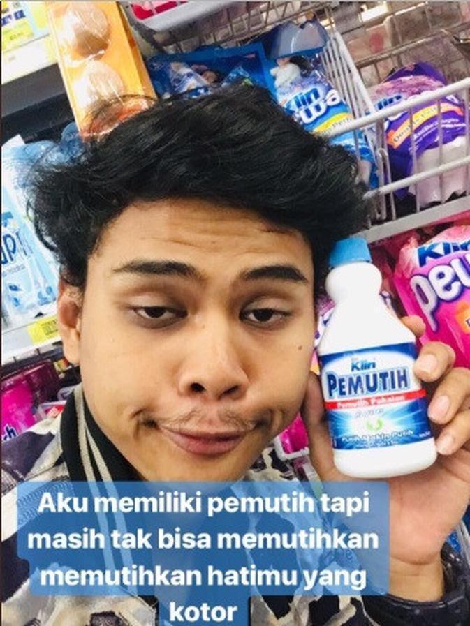 Viral Pemuda Bucin Ekspresi Galau, Gunakan Benda Supermarket! Kok Gak Malu ya?