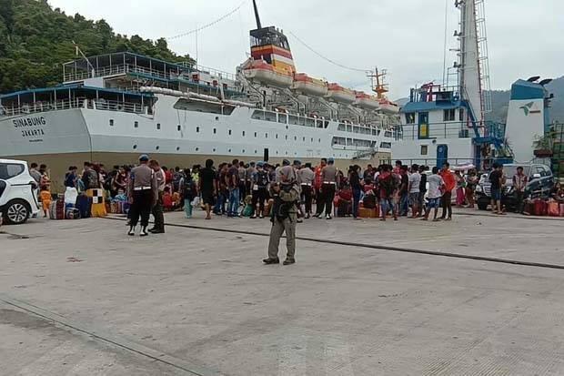 1.145 Pengungsi Wamena Pulang ke Kampung Halaman dengan KM Sinabung