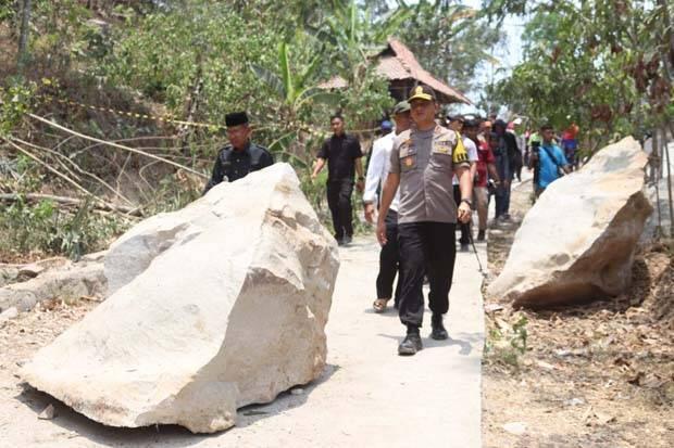 Insiden Longsor Batu, Bupati Purwakarta Kirim Surat Protes ke Pemprov Jabar