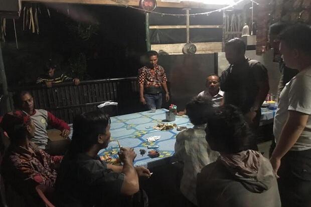 Oknum Kades di Merangin Tertangkap Asyik Berjudi Bersama Warga