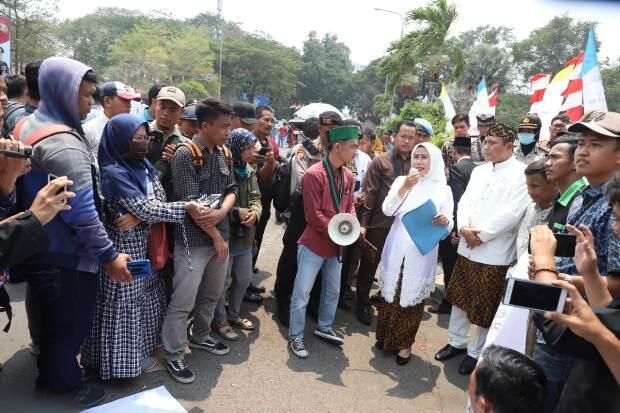 Hadapi Demonstran, Bupati Serang Jawab Semua Tuntutan