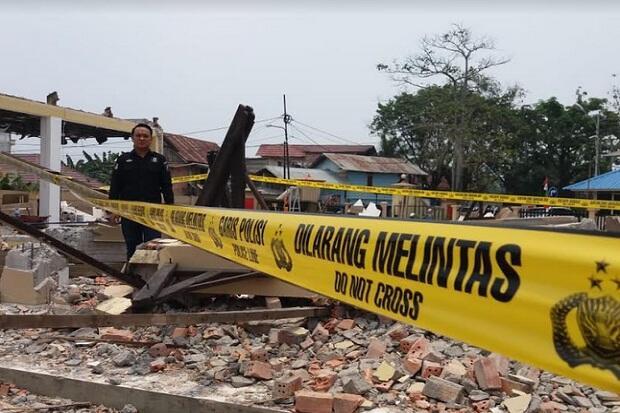 Reruntuhan Beton Masjid Polresta Palembang Timpa Pekerja, 1 Tewas