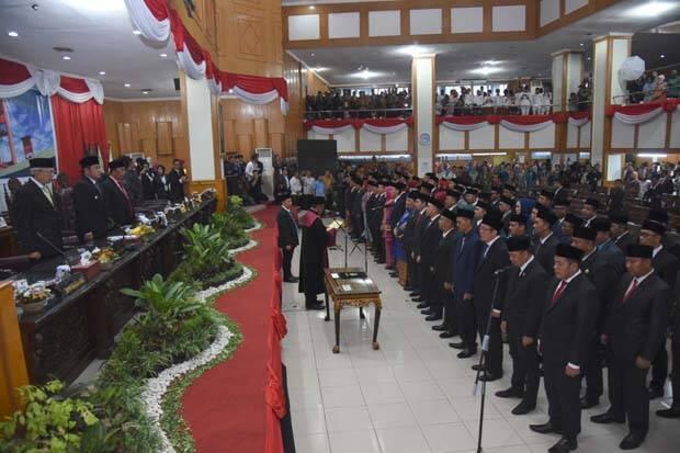 Baru Dilantik, Puluhan Anggota DPRD Sumsel Gadaikan SK