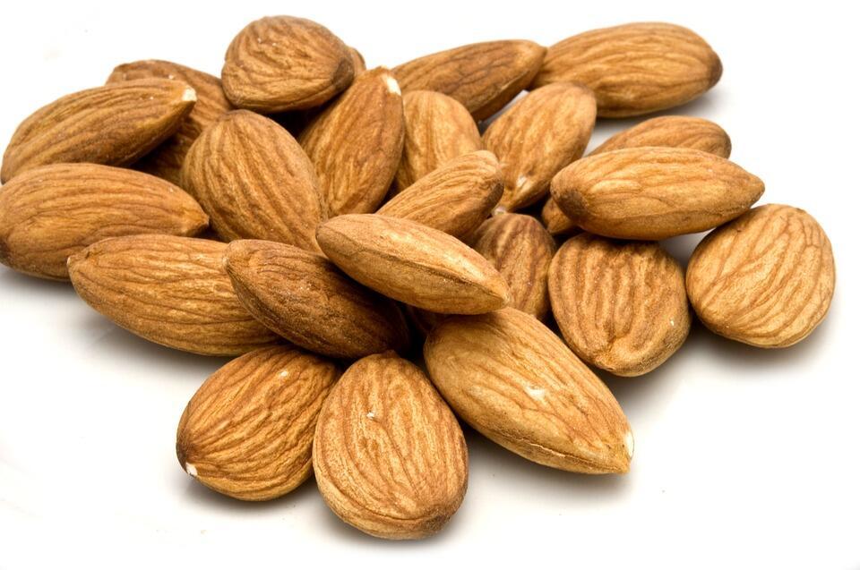 5 Manfaat Kacang Almond