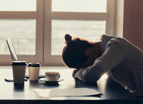 Cara mengatasi depresi di tempat kerja agar tak semakin larut
