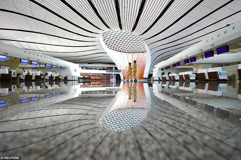 Resmi Dibuka, Begini Penampakan Bandara dengan Terminal Terbesar di Dunia Gan
