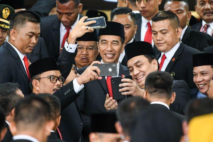 Oposisi masuk kabinet Jokowi jilid II? Nanti dulu