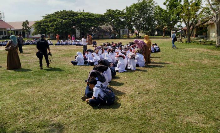 Para pelajar di Aceh ikuti simulasi gempa dan tsunami