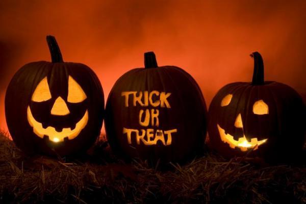 Trick - Treat or Truck - Treating Halloween