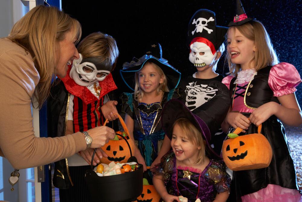 Trick or Treat dan Permen Halloween