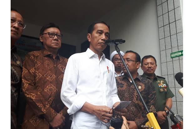 Jokowi Minta Rakyat Doakan Kesembuhan Wiranto