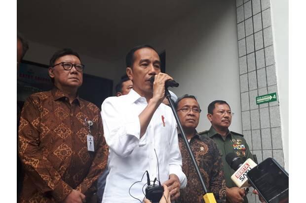 Jokowi Perintahkan Kapolri dan BIN Usut Tuntas Penusukan Wiranto