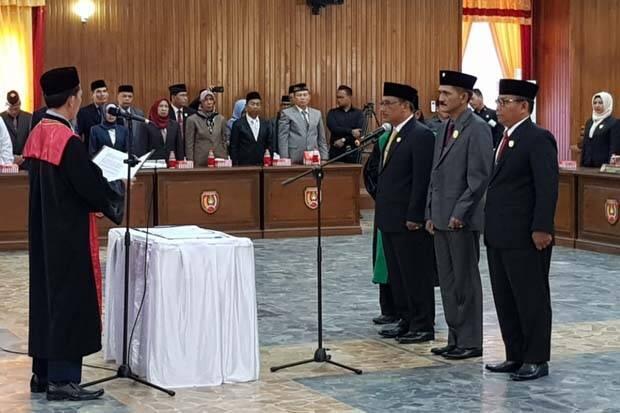 3 Pimpinan DPRD Kobar Diambil Sumpah dan Janji