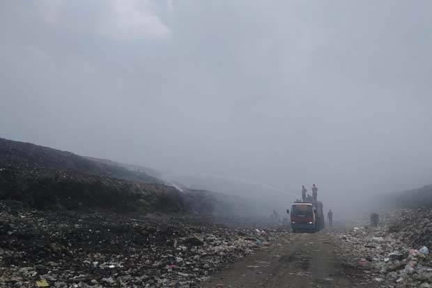 Kebakaran di TPA Putri Cempo Solo Sulit Dipadamkan